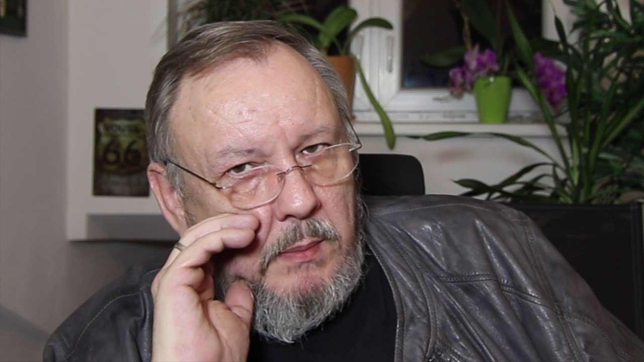 Schröder ohne perücke und brille 2012